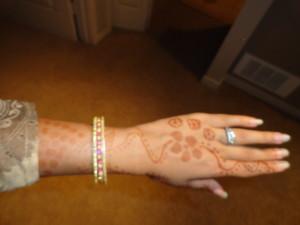 henna, mehndi, ring bangles